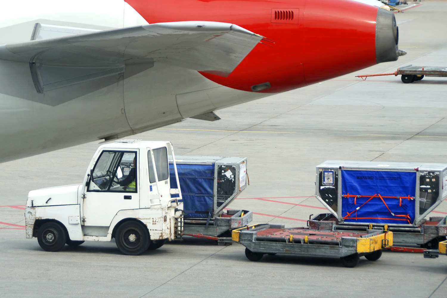"<span style=""font-weight: bold;"">Air Freight</span><br>"